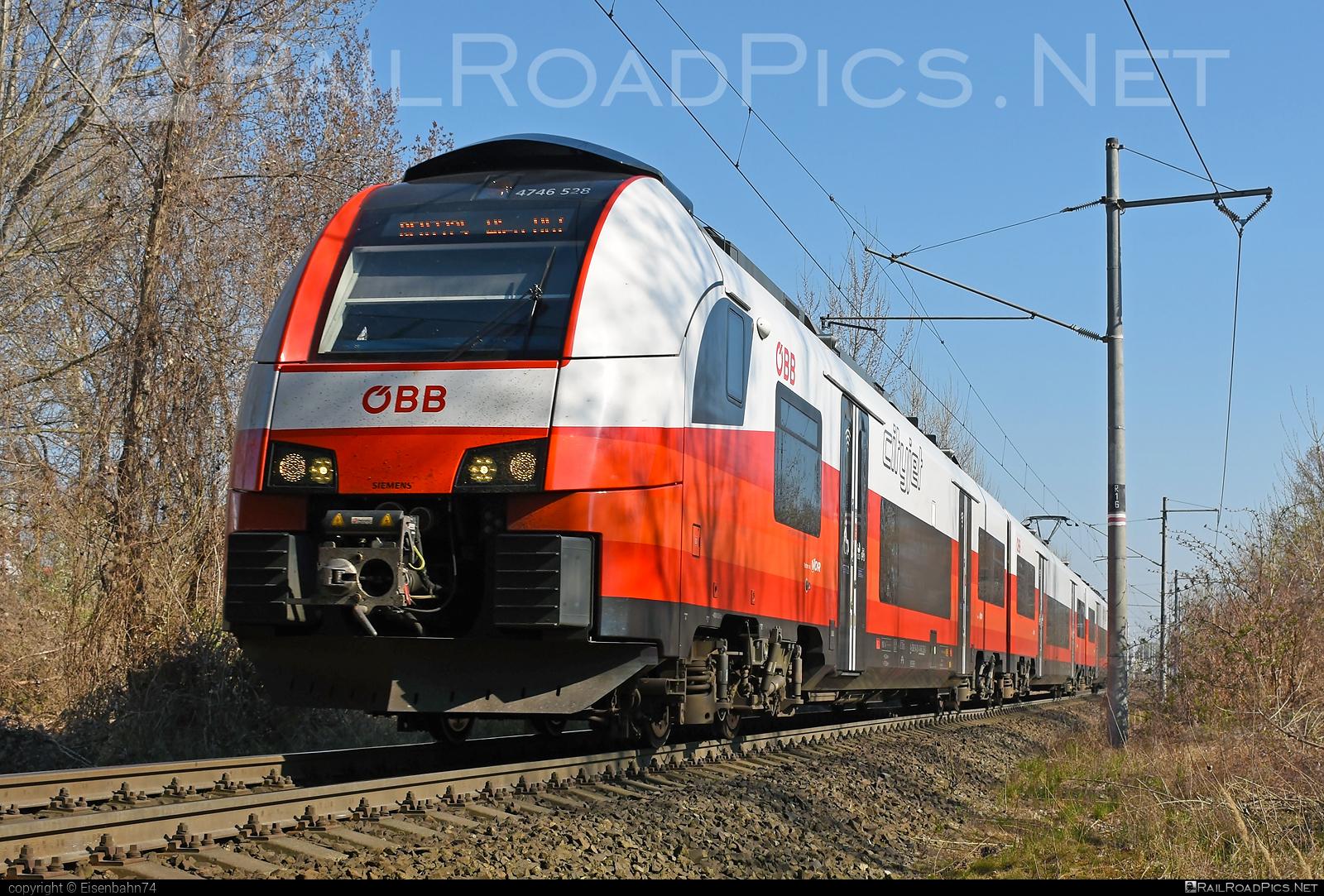 Siemens Desiro ML - 4746 528 operated by Österreichische Bundesbahnen #cityjet #desiro #desiroml #obb #obbcityjet #osterreichischebundesbahnen #siemens #siemensdesiro #siemensdesiroml