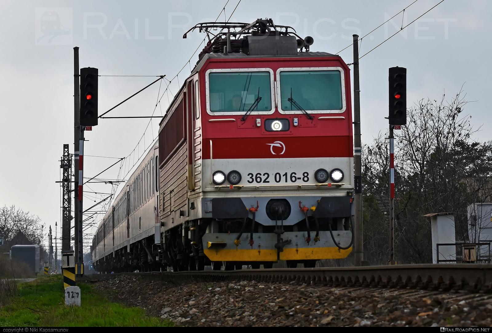 Škoda 69Er - 362 016-8 operated by Železničná Spoločnost' Slovensko, a.s. #ZeleznicnaSpolocnostSlovensko #eso #locomotive362 #rychleeso #skoda #skoda69er #zssk