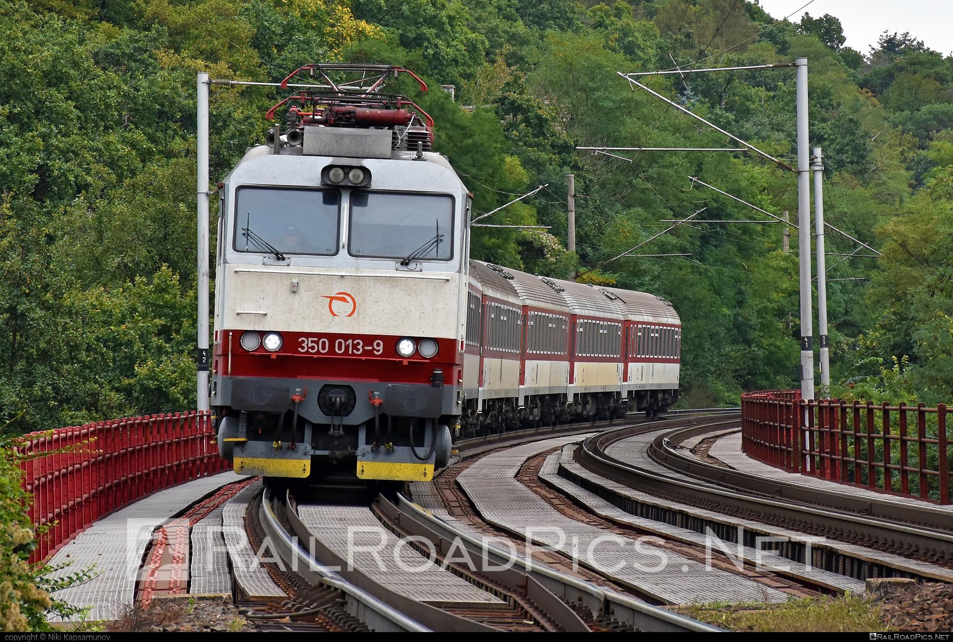 Škoda 55E - 350 013-9 operated by Železničná Spoločnost' Slovensko, a.s. #ZeleznicnaSpolocnostSlovensko #gorila #locomotive350 #skoda #skoda55e #zssk