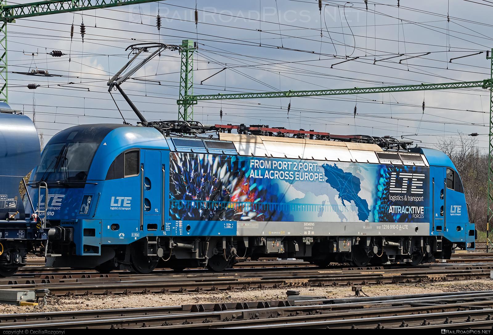 Siemens ES 64 U4 - 1216 910 operated by LTE Logistik und Transport GmbH #es64 #es64u #es64u4 #eurosprinter #lte #ltelogistikundtransport #ltelogistikundtransportgmbh #siemens #siemenses64 #siemenses64u #siemenses64u4 #siemenstaurus #taurus #tauruslocomotive
