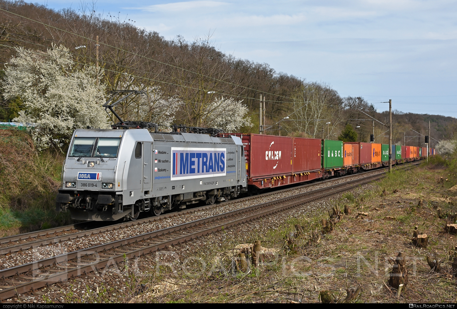 Bombardier TRAXX F140 MS - 386 019-4 operated by METRANS Rail s.r.o. #bombardier #bombardiertraxx #flatwagon #hhla #metrans #metransrail #traxx #traxxf140 #traxxf140ms