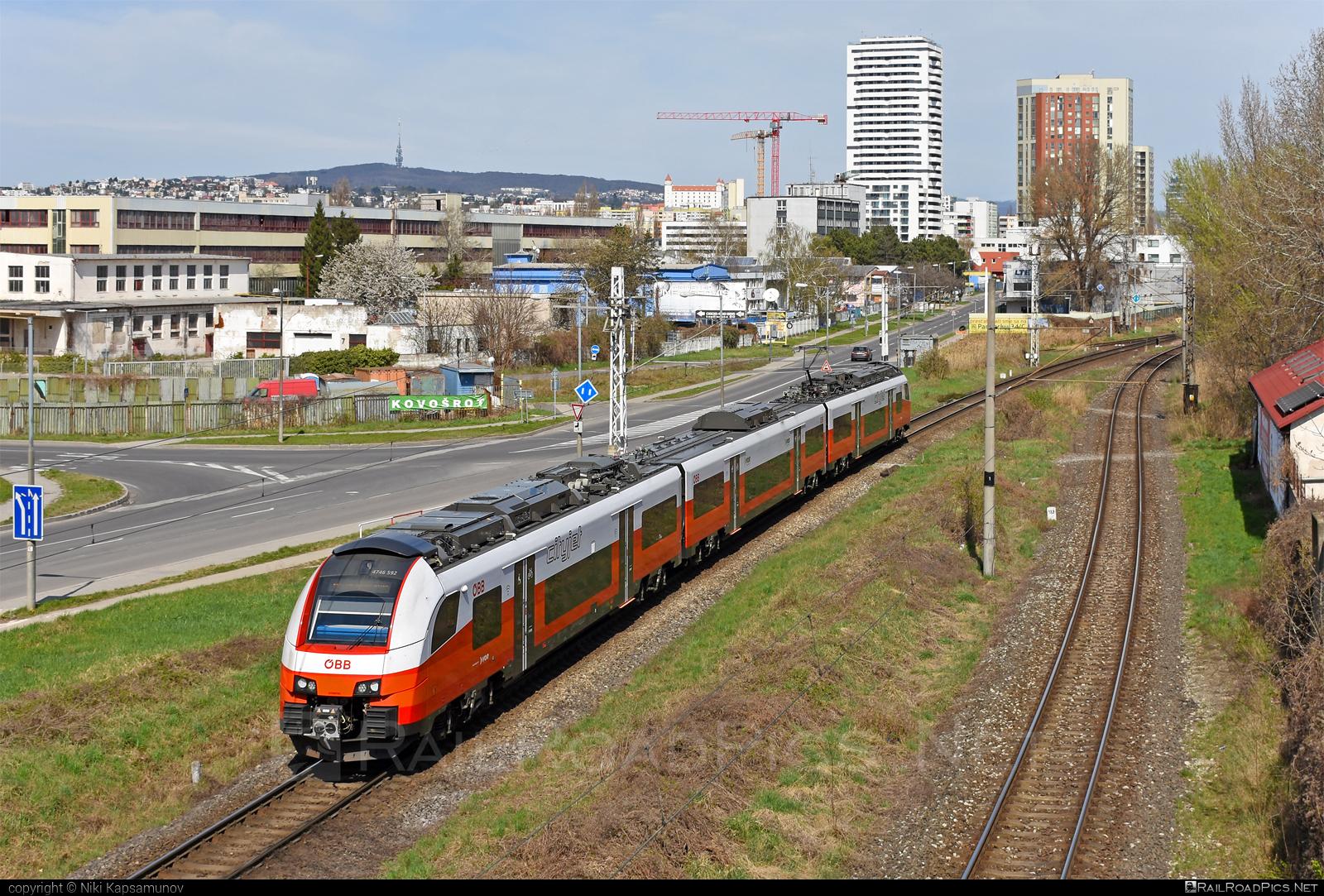 Siemens Desiro ML - 4746 592 operated by Österreichische Bundesbahnen #cityjet #desiro #desiroml #obb #obbcityjet #osterreichischebundesbahnen #siemens #siemensdesiro #siemensdesiroml