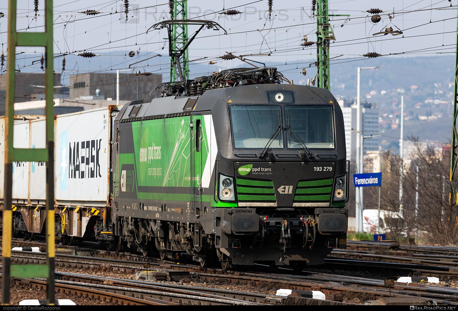 Siemens Vectron MS - 193 279 operated by ENNA TRANSPORT d.o.o. za prijevoz tereta #ell #ellgermany #eloc #enna #europeanlocomotiveleasing #flatwagon #siemens #siemensvectron #siemensvectronms #vectron #vectronms