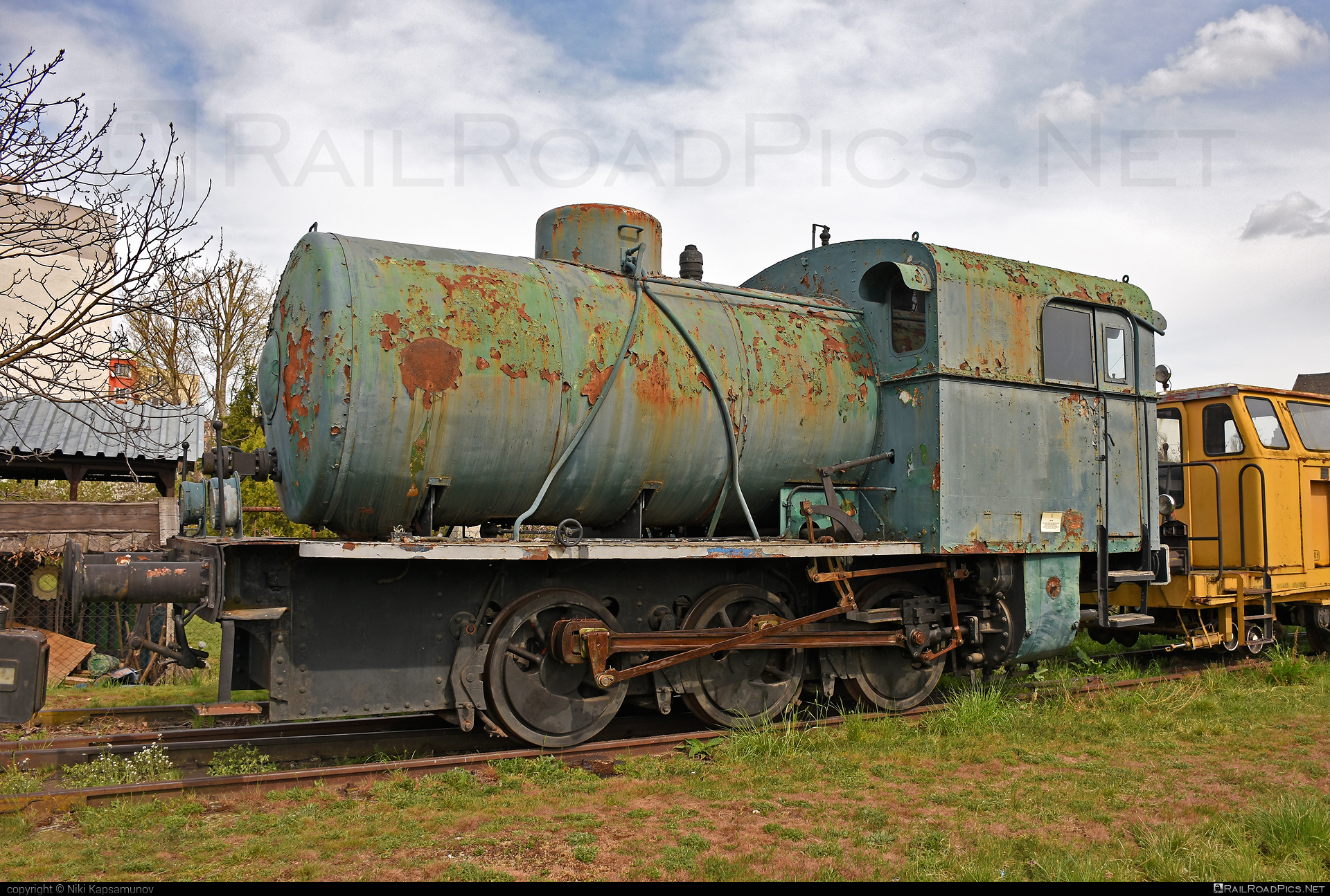 ČKD CN 40a - 2483 operated by Železnice Slovenskej Republiky #ckd #ckd40a #ckdcn40a #cn40a #zelezniceslovenskejrepubliky #zsr