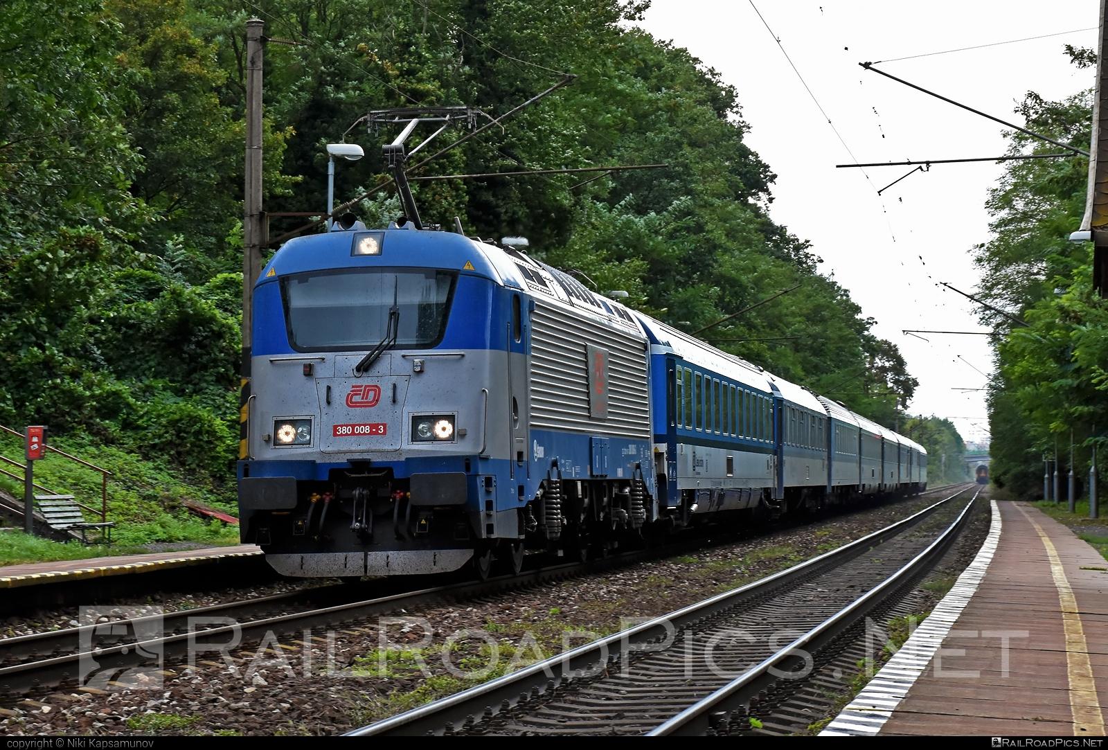 Škoda 109E1 Emil Zátopek - 380 008-3 operated by České dráhy, a.s. #cd #ceskedrahy #emilzatopeklocomotive #locomotive380 #metropolitan #skoda #skoda109e #skoda109elocomotive