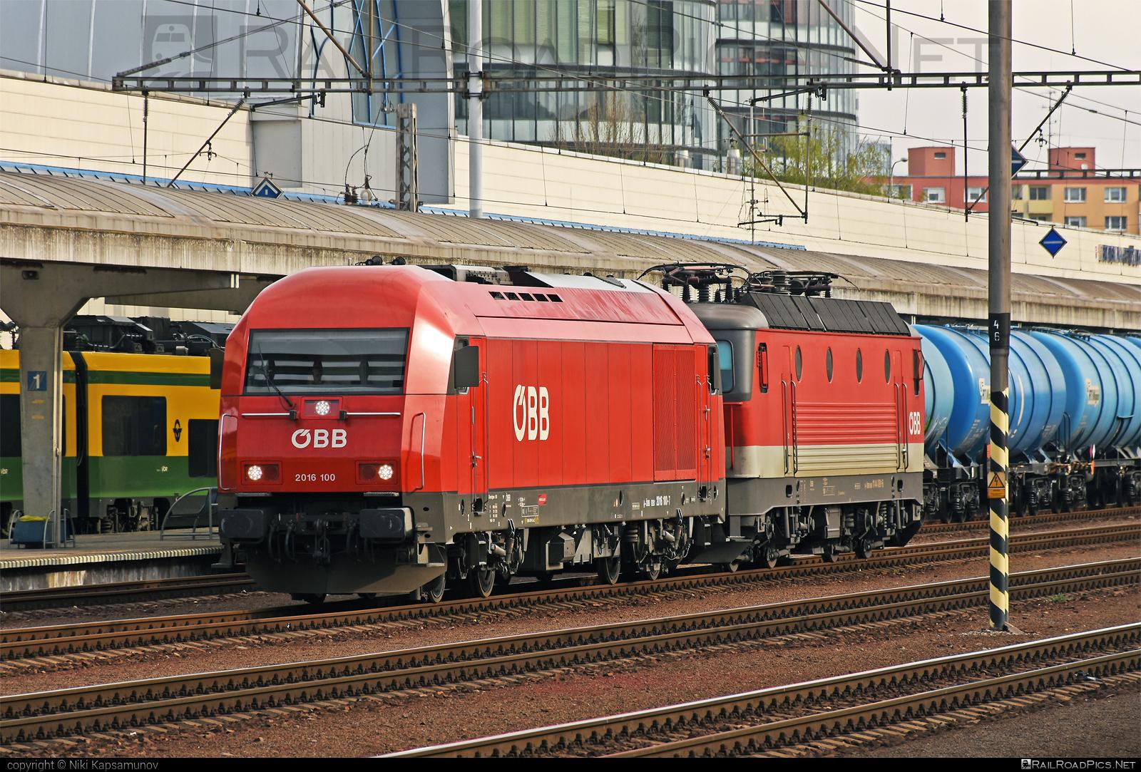 Siemens ER20 - 2016 100 operated by Rail Cargo Carrier – Slovakia s.r.o. #1144 #er20 #er20hercules #eurorunner #hercules #obb #osterreichischebundesbahnen #rccsk #sgp1144 #siemens #siemenser20 #siemenser20hercules #siemenseurorunner #siemenshercules #wssk