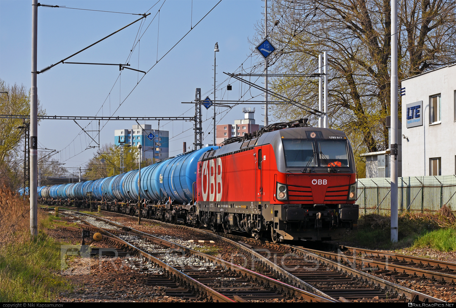 Siemens Vectron MS - 1293 017 operated by Rail Cargo Austria AG #kesselwagen #obb #osterreichischebundesbahnen #rcw #siemens #siemensvectron #siemensvectronms #tankwagon #vectron #vectronms
