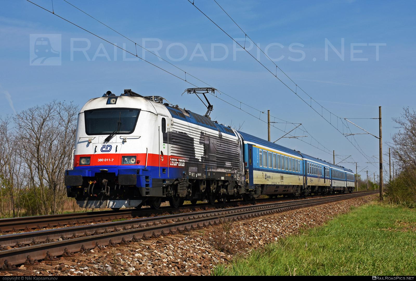 Škoda 109E1 Emil Zátopek - 380 011-7 operated by České dráhy, a.s. #cd #ceskedrahy #emilzatopeklocomotive #locomotive380 #skoda #skoda109e #skoda109elocomotive
