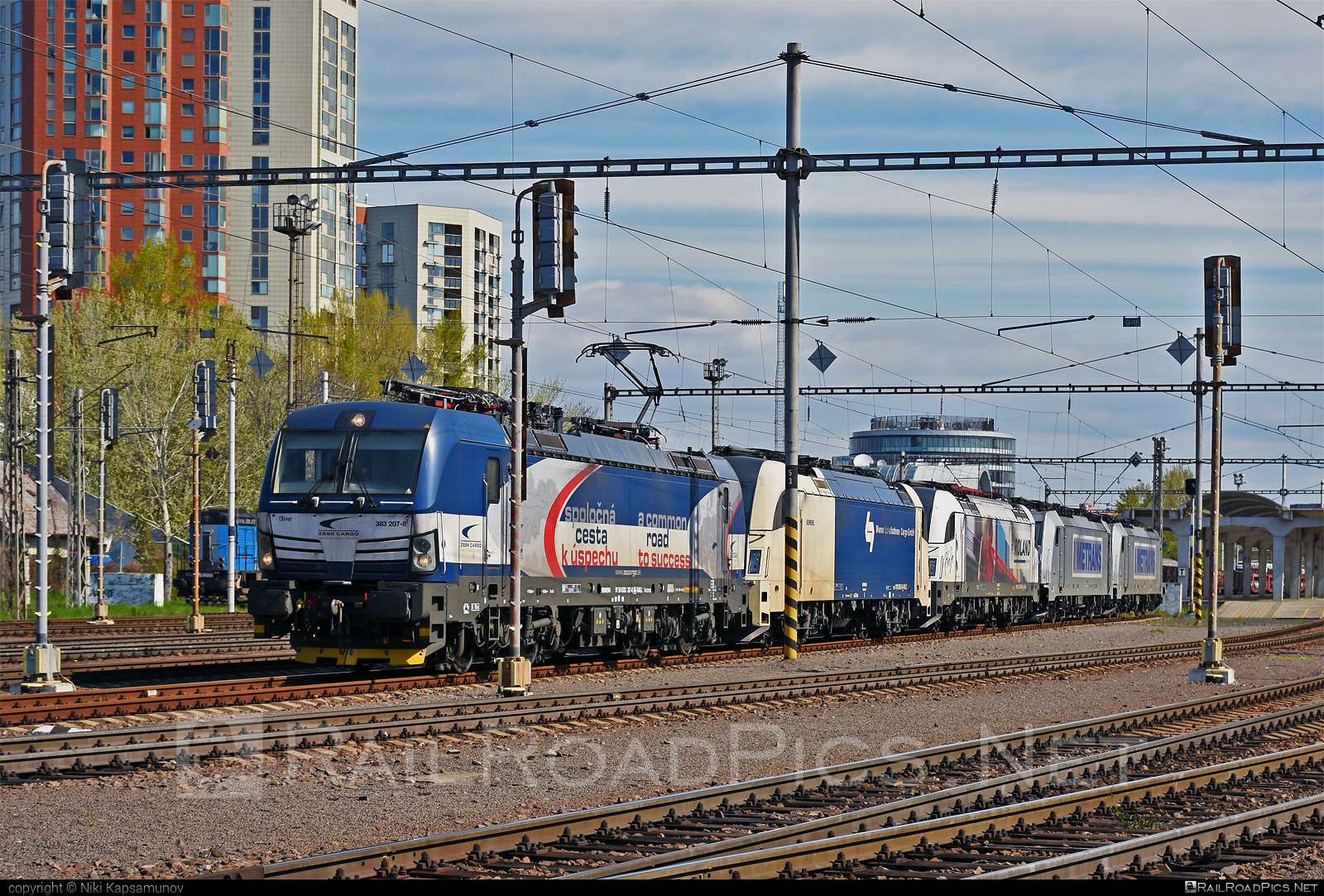 Siemens Vectron MS - 383 207-8 operated by Železničná Spoločnost' Cargo Slovakia a.s. #RollingStockLease #RollingStockLeaseSro #ZeleznicnaSpolocnostCargoSlovakia #raill #siemens #siemensvectron #siemensvectronms #vectron #vectronms #zsskcargo