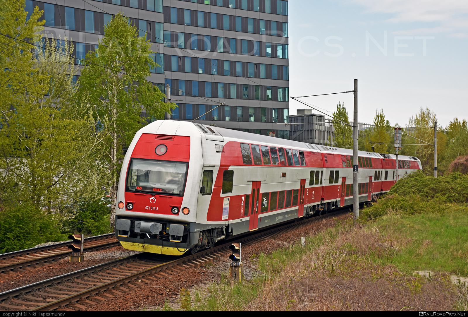 Škoda 4Ev - 971 015-3 operated by Železničná Spoločnost' Slovensko, a.s. #ZeleznicnaSpolocnostSlovensko #emu671 #skoda #skoda4ev #skodaclass671 #zssk
