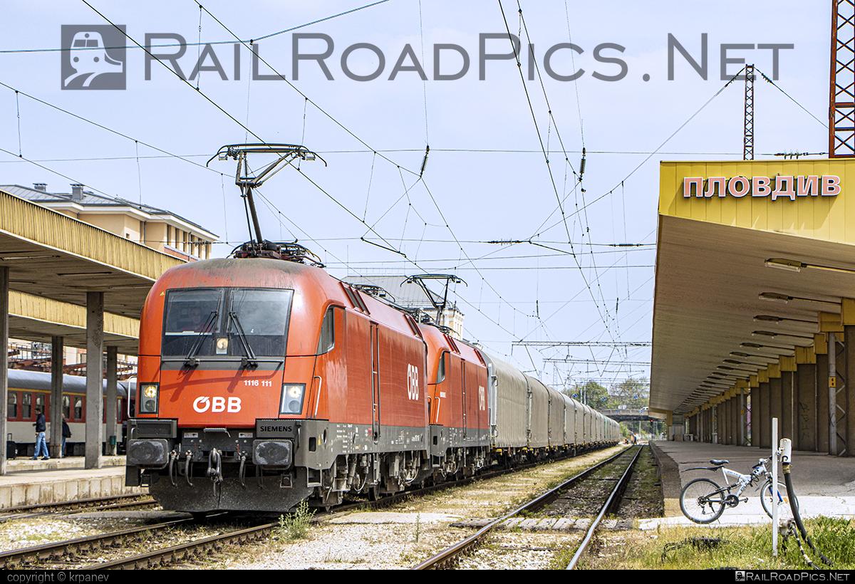Siemens ES 64 U2 - 1116 111 operated by Rail Cargo Carrier - Bulgaria #RailCargoCarrierBulgaria #es64 #es64u #es64u2 #eurosprinter #obb #osterreichischebundesbahnen #rccbg #siemens #siemenses64 #siemenses64u #siemenses64u2 #siemenstaurus #taurus #tauruslocomotive