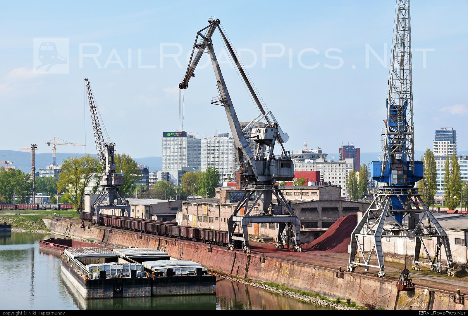 Prístav Bratislava location overview #crane #pristavbratislava