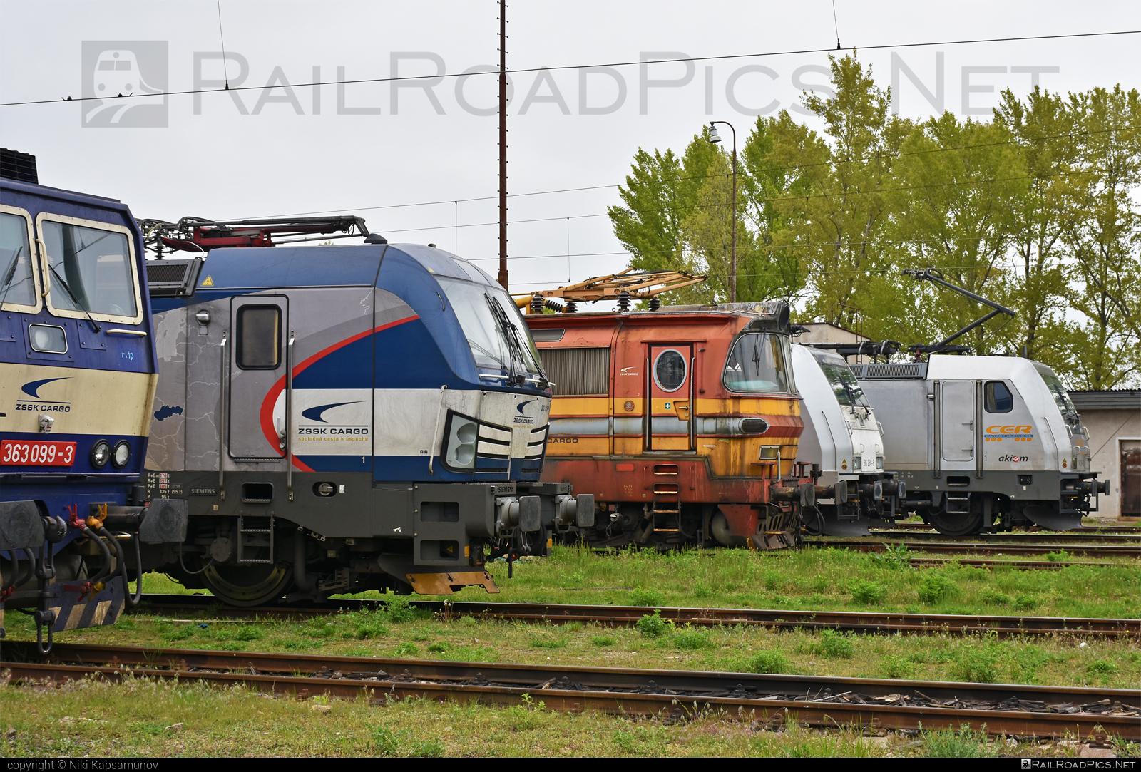 Siemens Vectron MS - 383 205-2 operated by Železničná Spoločnost' Cargo Slovakia a.s. #RollingStockLease #RollingStockLeaseSro #ZeleznicnaSpolocnostCargoSlovakia #raill #siemens #siemensvectron #siemensvectronms #vectron #vectronms #zsskcargo