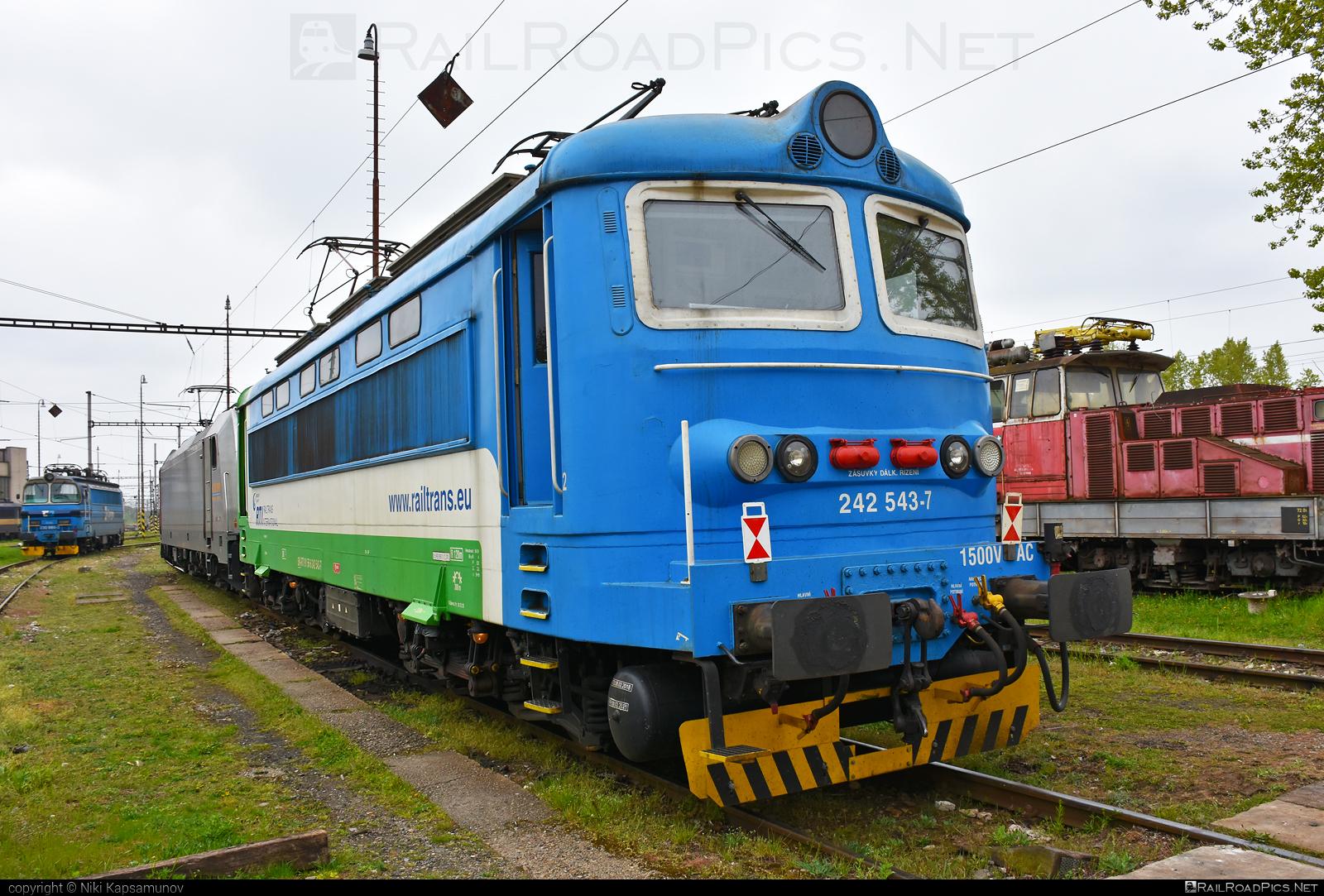 Škoda 64E - 242 543-7 operated by Railtrans International, s.r.o #BDZclass43 #RailtransInternational #plechac #rti #skoda #skoda64e