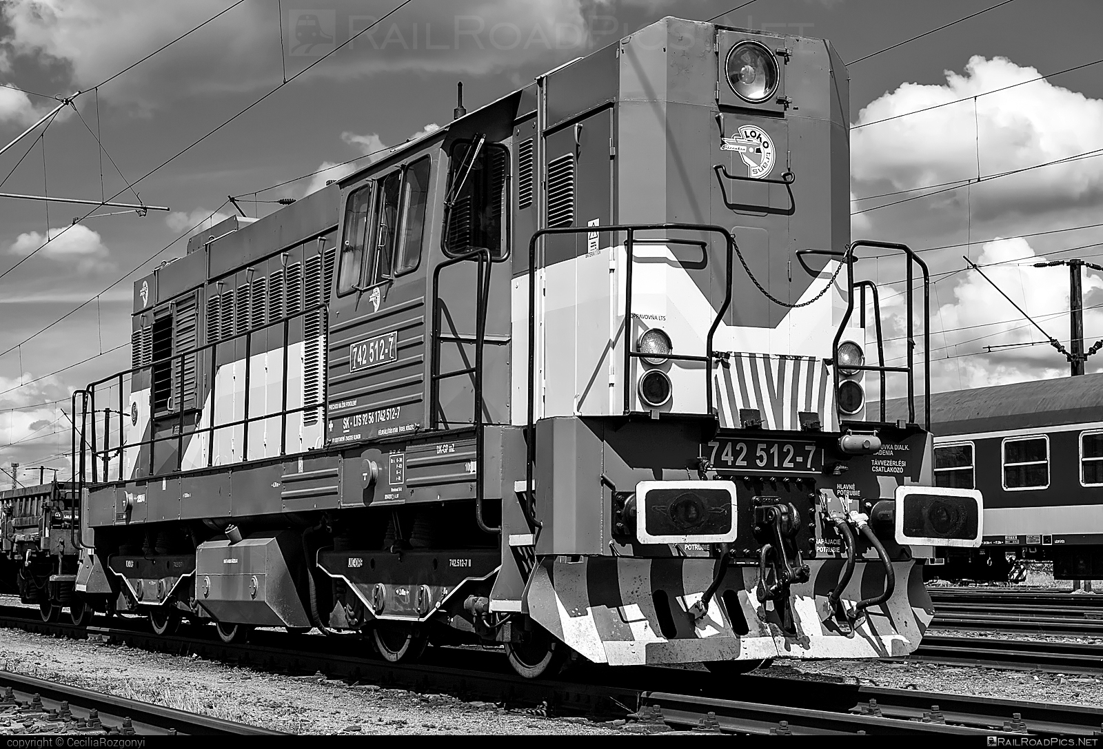 ČKD T 466.2 (742) - 742 512-7 operated by LOKO TRANS #ckd #ckd4662 #ckd742 #ckdt4662 #lokotrans #lts