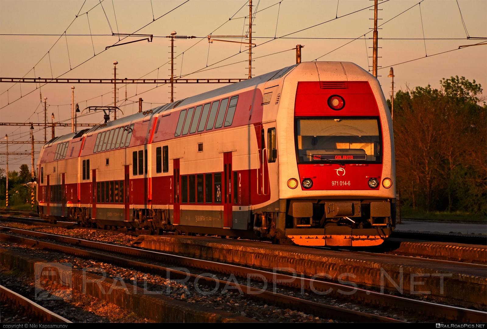 Škoda 4Ev - 971 014-6 operated by Železničná Spoločnost' Slovensko, a.s. #ZeleznicnaSpolocnostSlovensko #emu671 #skoda #skoda4ev #skodaclass671 #zssk