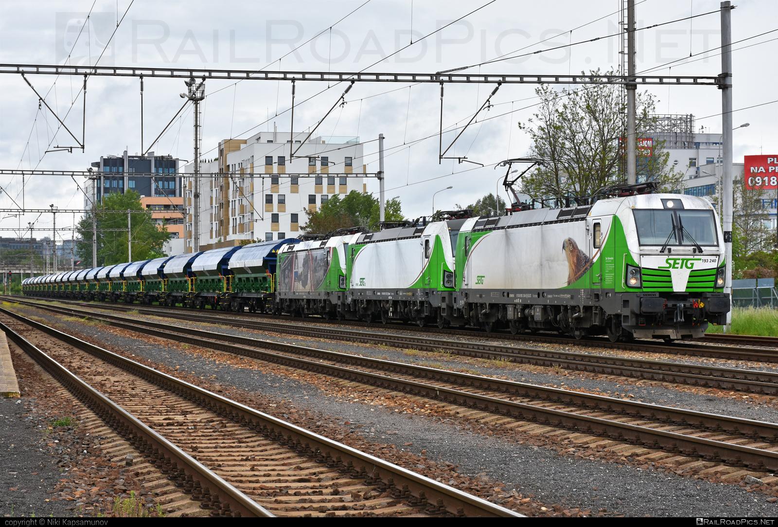 Siemens Vectron AC - 193 240 operated by Salzburger Eisenbahn Transportlogistik GmbH #SalzburgerEisenbahnTransportlogistik #SalzburgerEisenbahnTransportlogistikGmbH #ell #ellgermany #eloc #europeanlocomotiveleasing #hopperwagon #setg #siemens #siemensvectron #siemensvectronac #vectron #vectronac