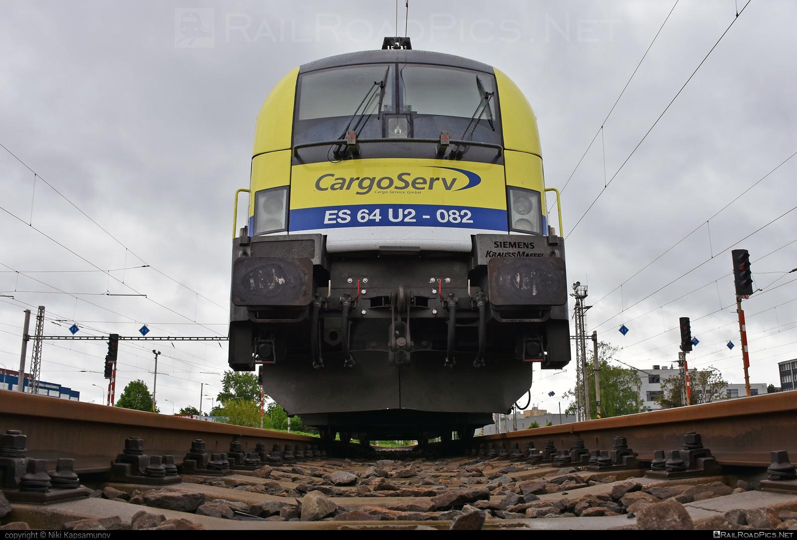 Siemens ES 64 U2 - 182 582-7 operated by CargoServ GmbH #cargoserv #dispolok #es64 #es64u #es64u2 #eurosprinter #mitsuirailcapitaleurope #mitsuirailcapitaleuropegmbh #mrce #siemens #siemenses64 #siemenses64u #siemenses64u2 #siemenstaurus #taurus #tauruslocomotive