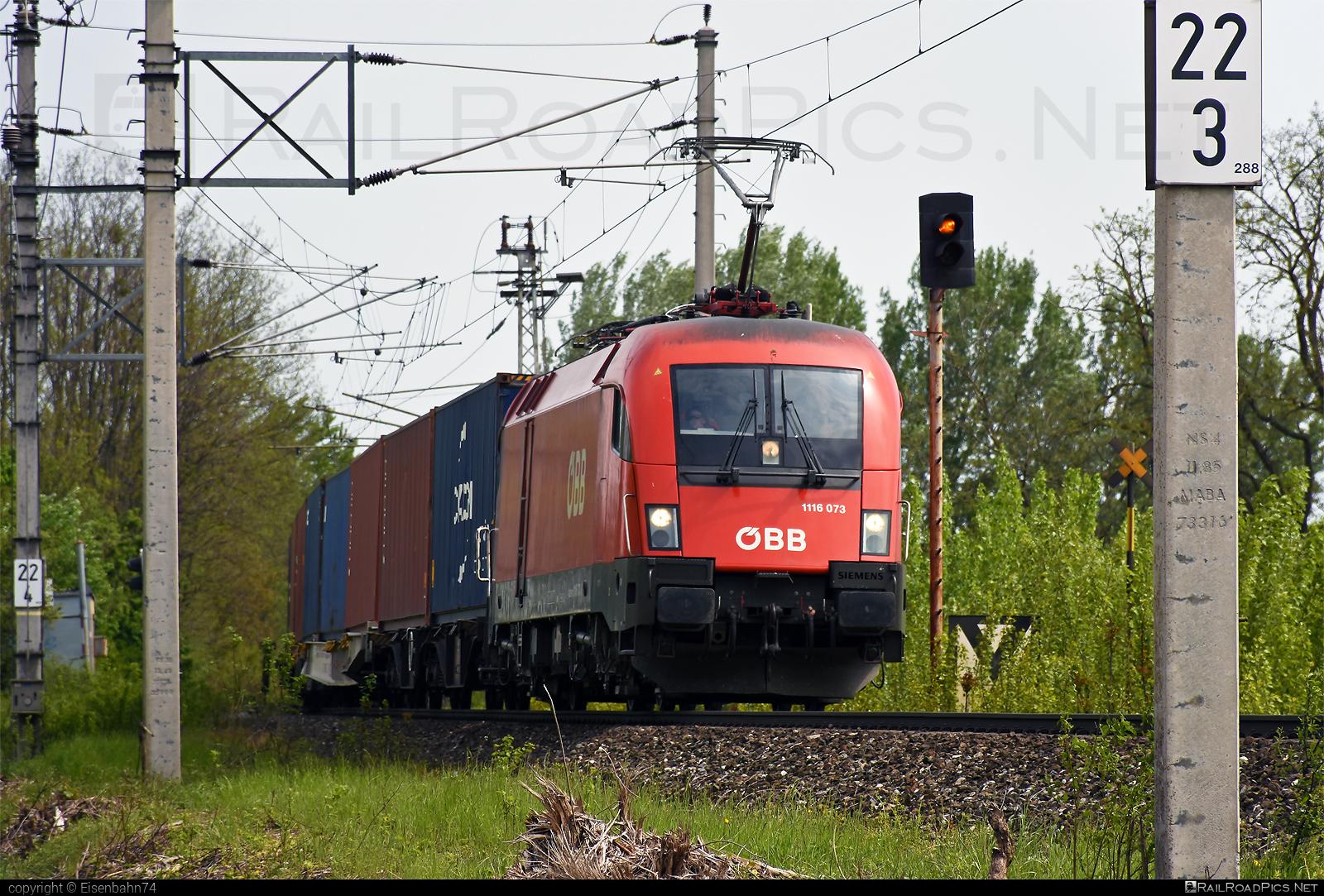 Siemens ES 64 U2 - 1116 073 operated by Rail Cargo Austria AG #es64 #es64u #es64u2 #eurosprinter #flatwagon #obb #osterreichischebundesbahnen #rcw #siemens #siemenses64 #siemenses64u #siemenses64u2 #siemenstaurus #taurus #tauruslocomotive