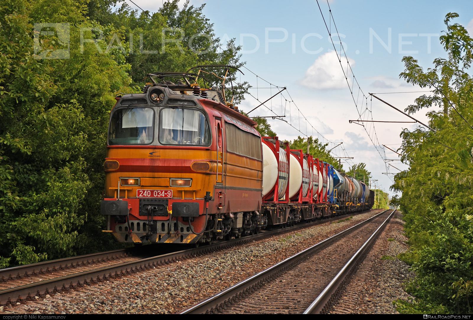 Škoda 47E - 240 034-9 operated by Železničná Spoločnost' Cargo Slovakia a.s. #ZeleznicnaSpolocnostCargoSlovakia #ZeleznicnaSpolocnostSlovensko #laminatka #locomotive240 #skoda #skoda47e #zssk #zsskcargo