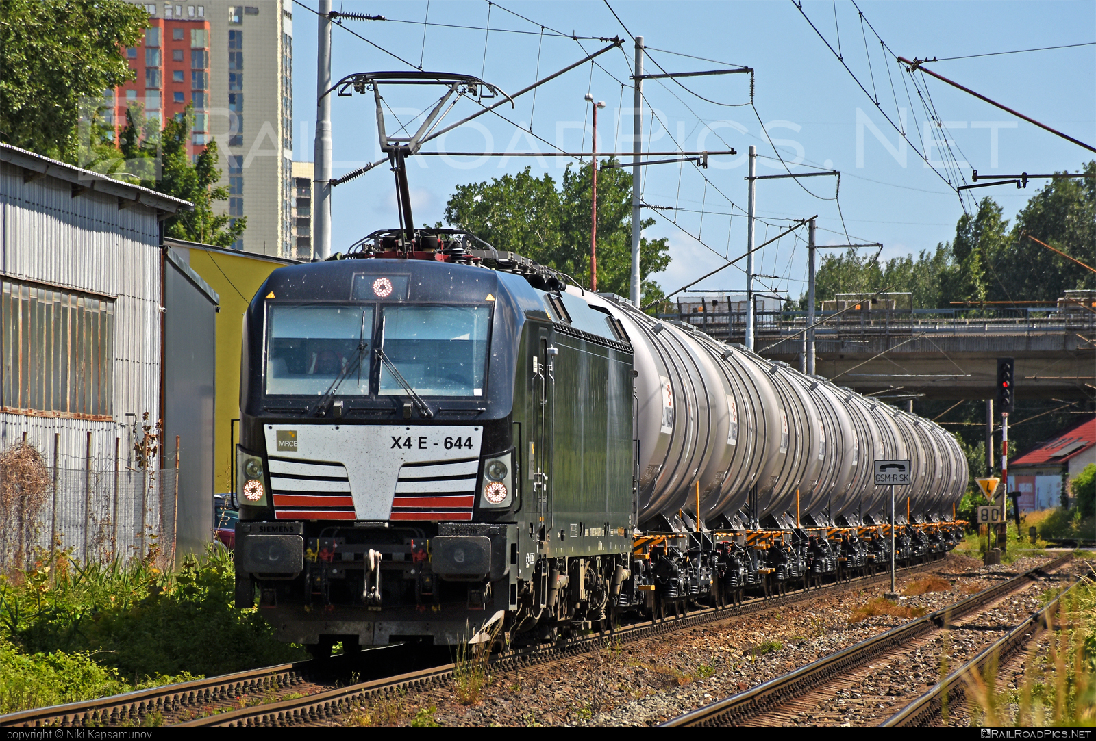 Siemens Vectron MS - 193 644-2 operated by Unknown #dispolok #kesselwagen #mitsuirailcapitaleurope #mitsuirailcapitaleuropegmbh #mrce #siemens #siemensvectron #siemensvectronms #slovvagon #tankwagon #vectron #vectronms