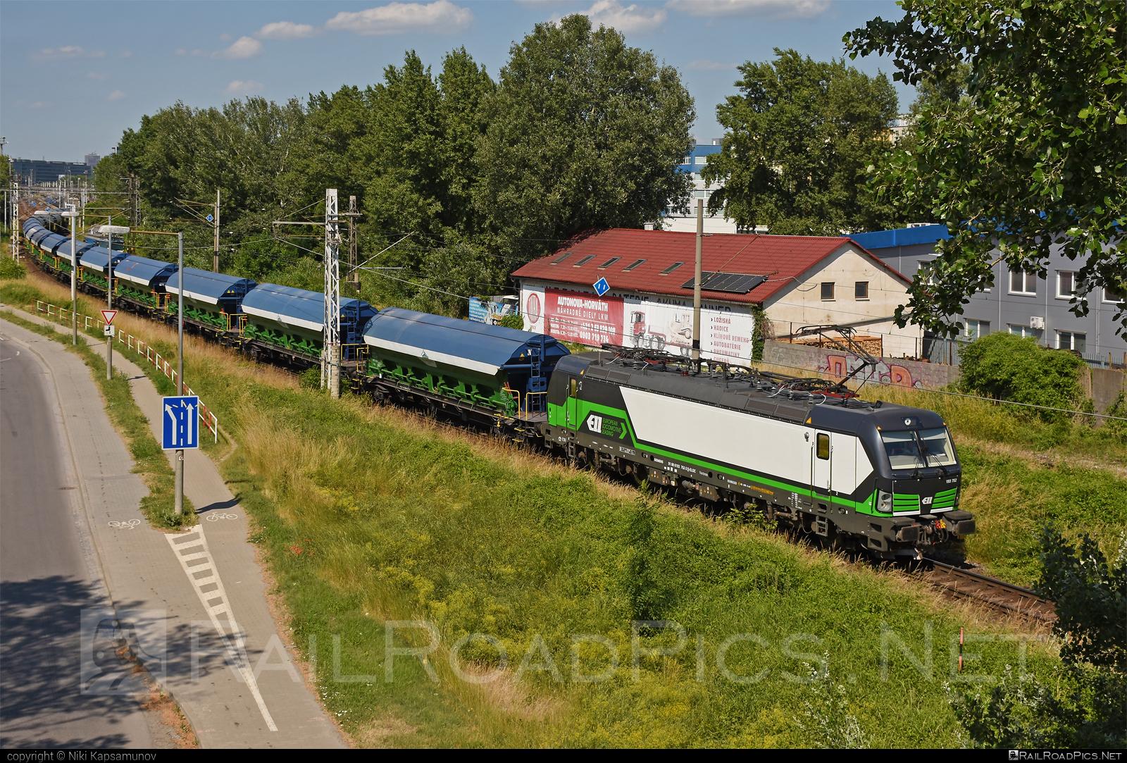 Siemens Vectron MS - 193 752 operated by Salzburger Eisenbahn Transportlogistik GmbH #SalzburgerEisenbahnTransportlogistik #SalzburgerEisenbahnTransportlogistikGmbH #ell #ellgermany #eloc #europeanlocomotiveleasing #hopperwagon #setg #siemens #siemensvectron #siemensvectronms #tads #vectron #vectronms
