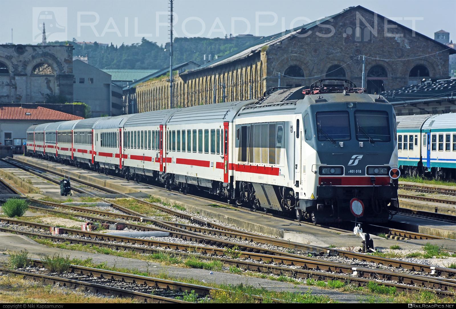 OGR Foligno Class E.401 - E.401 018 operated by Trenitalia S.p.A. #OfficineGrandiRiparazioni #OfficineGrandiRiparazioniFoligno #classe401 #e401locomotive #ferroviedellostato #fs #fsclasse401 #fsitaliane #ogr #ogrfoligno #trenitalia #trenitaliaspa