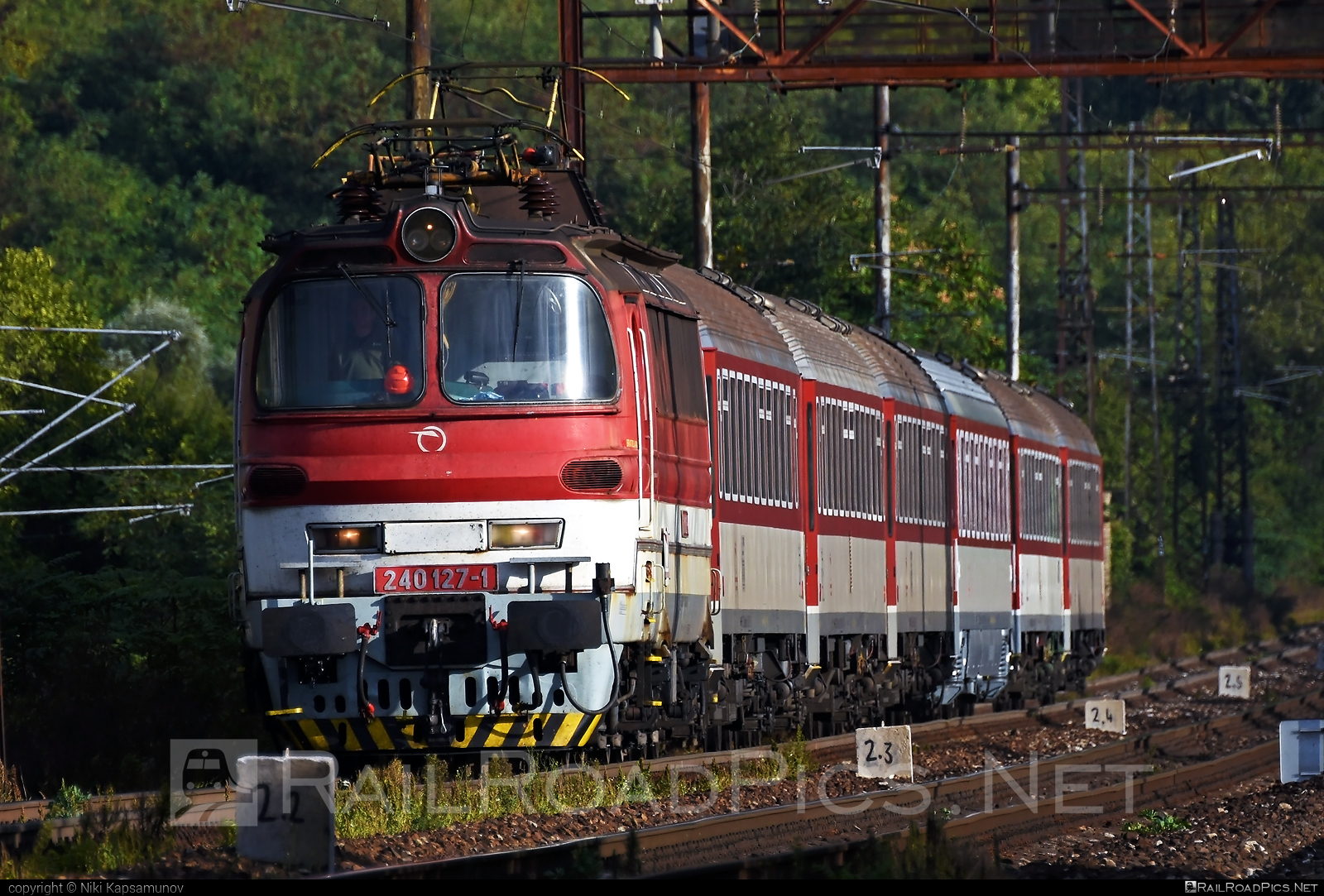 Škoda 47E - 240 127-1 operated by Železničná Spoločnost' Slovensko, a.s. #ZeleznicnaSpolocnostSlovensko #laminatka #locomotive240 #skoda #skoda47e #zssk