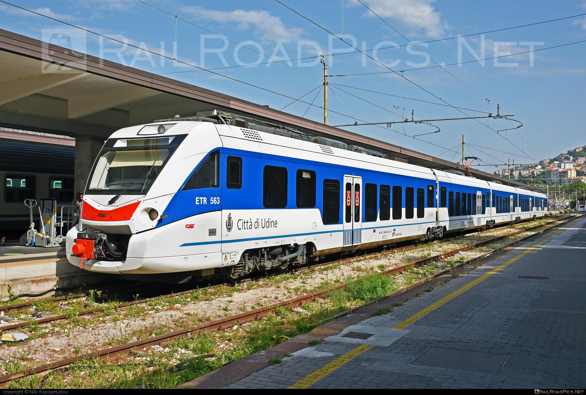 CAF Civity - 563 003-4 operated by Trenitalia S.p.A. #ConstruccionesYAuxiliarDeFerrocarriles #caf #cafcivity #civity #ferroviedellostato #fs #fsitaliane #trenitalia #trenitaliaspa