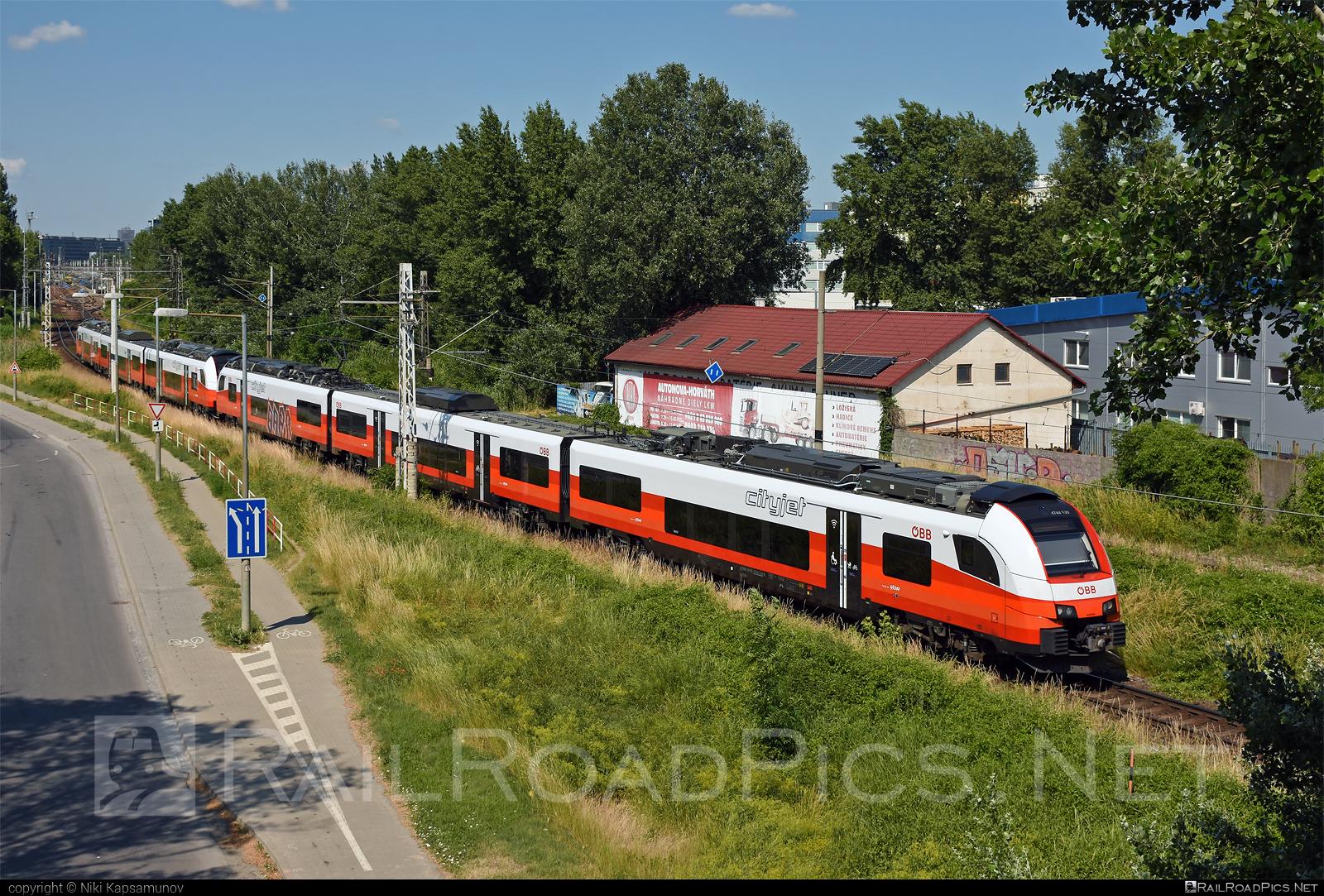 Siemens Desiro ML - 4744 530 operated by Österreichische Bundesbahnen #cityjet #desiro #desiroml #obb #obbcityjet #osterreichischebundesbahnen #siemens #siemensdesiro #siemensdesiroml