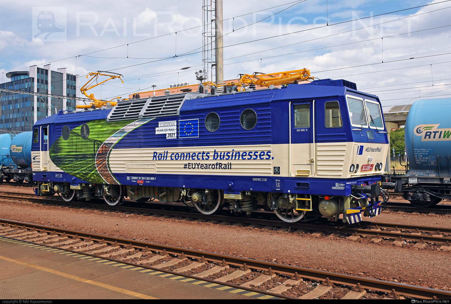 Škoda 69E - 363 095-1 operated by Železničná Spoločnost' Cargo Slovakia a.s. #ZeleznicnaSpolocnostCargoSlovakia #es4991 #eso #locomotive363 #skoda #skoda69e #zsskcargo