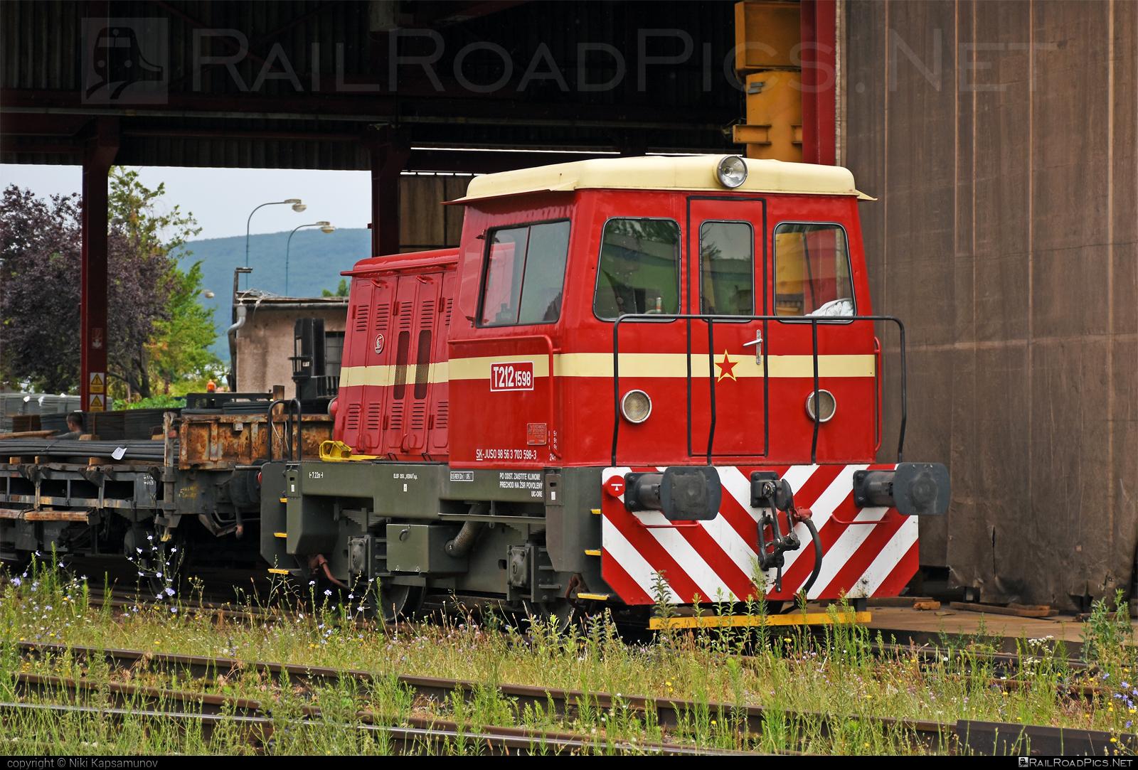 Turčianske strojárne Martin T 212.1 (703) - 703 598-3 operated by JUSO s.r.o. #juso #locomotive703 #locomotivet2121 #prasa #prasatko #prasiatko #raven #t2121 #turcianskestrojarnemartin