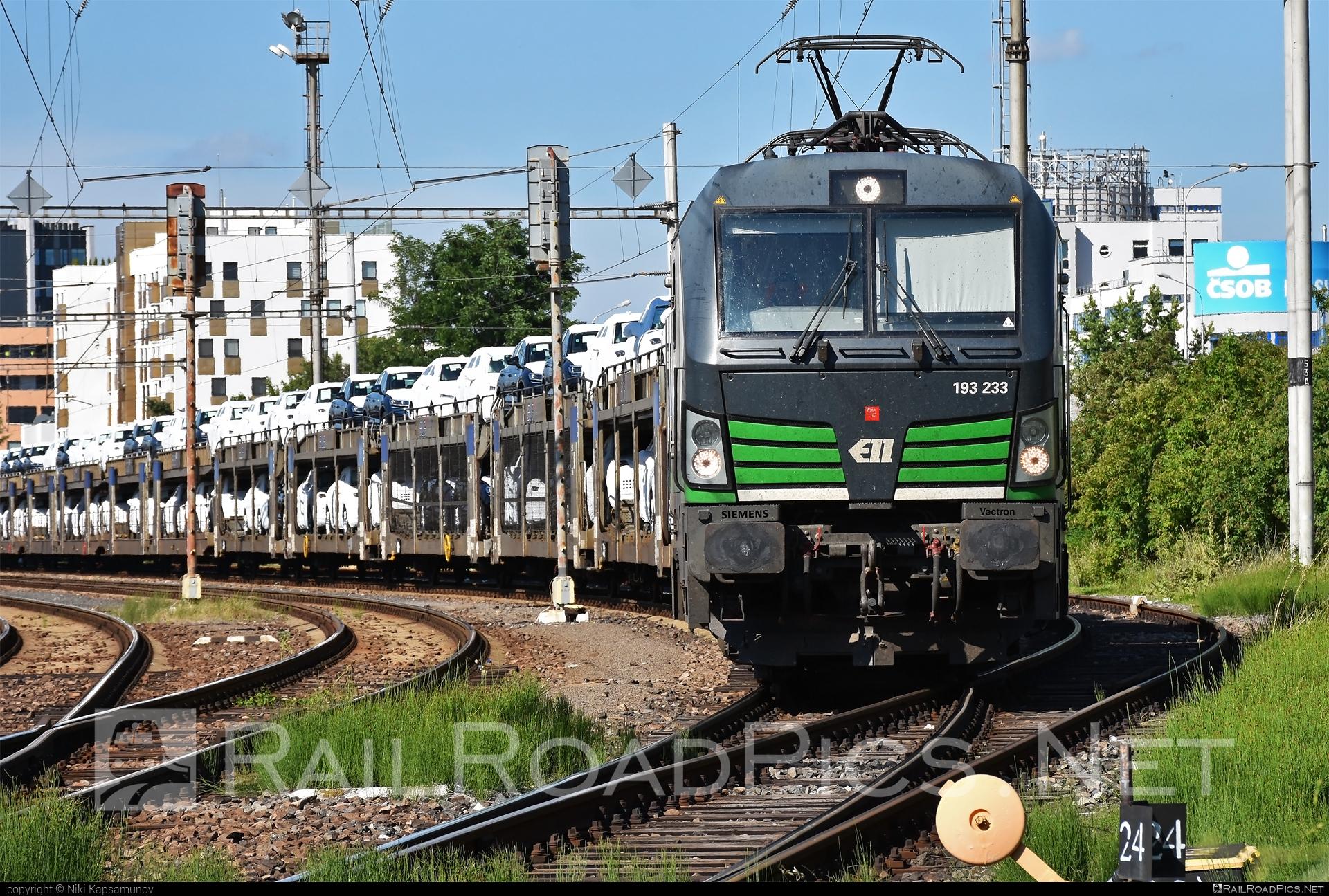 Siemens Vectron AC - 193 233 operated by ecco-rail GmbH #blg #carcarrierwagon #eccorail #eccorailgmbh #ell #ellgermany #eloc #europeanlocomotiveleasing #siemens #siemensvectron #siemensvectronac #vectron #vectronac