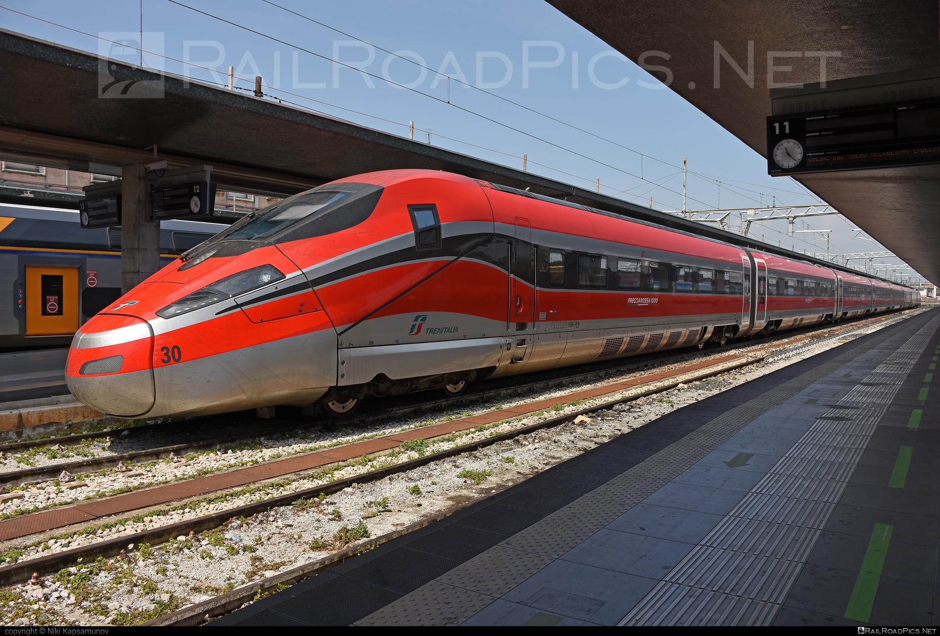 Hitachi Rail Italy / Bombardier ETR.1000 - 400 830-6 operated by Trenitalia S.p.A. #Frecciarossa1000 #HitachiBombardier #HitachiRailItaly #bombardier #etr1000 #ferroviedellostato #frecciarossa #frecciarossa1000 #fs #fsitaliane #trenitalia #trenitaliaspa #v300 #v300zefiro #zefiro