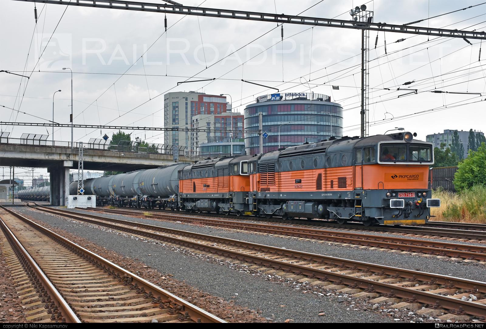 ČKD T 478.3 (753) - 753 714-5 operated by PKP CARGO INTERNATIONAL a.s. #brejlovec #ckd #ckdclass753 #ckdt4783 #locomotive753 #okuliarnik #pkpcargointernational #pkpcargointernationalas
