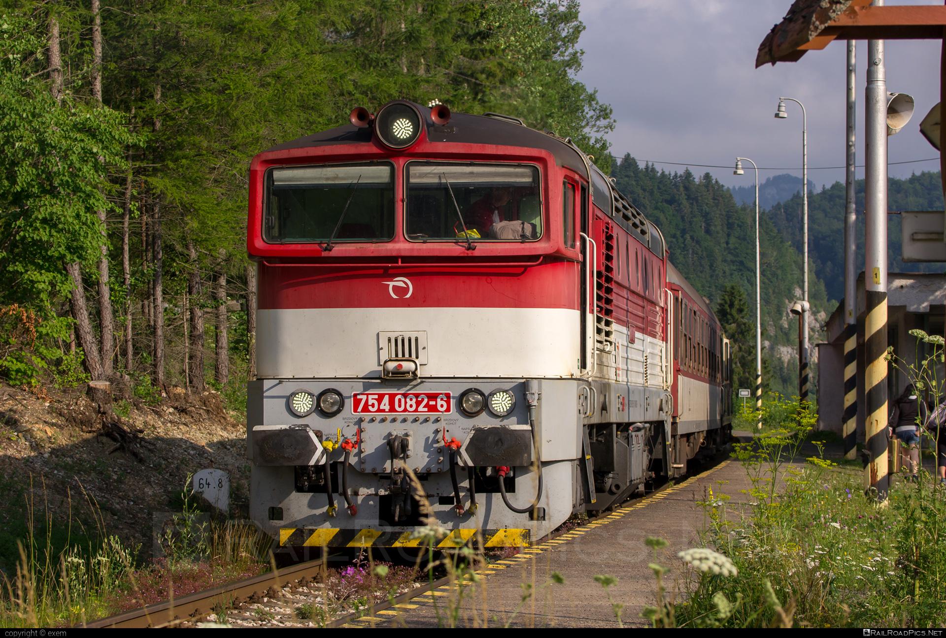 ČKD T 478.4 (754) - 754 082-6 operated by Železničná Spoločnost' Slovensko, a.s. #ZeleznicnaSpolocnostSlovensko #brejlovec #ckd #ckd4784 #ckd754 #ckdt4784 #lokomotiva754 #okuliarnik #zssk