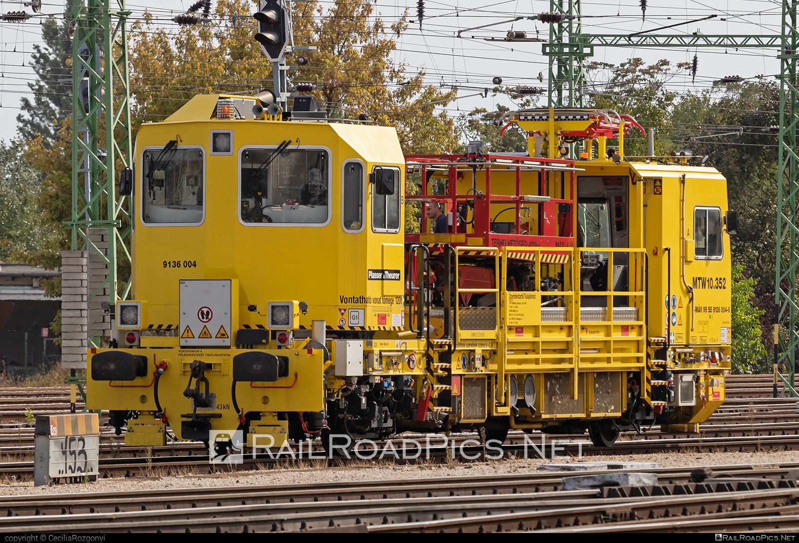 Plasser & Theurer MTW 10 - 9136 004 operated by Magyar Államvasutak ZRt. #magyarallamvasutak #magyarallamvasutakzrt #mav #mtw10 #plasserandtheurer #plasserandtheurermtw10 #plassertheurer #plassertheurermtw10