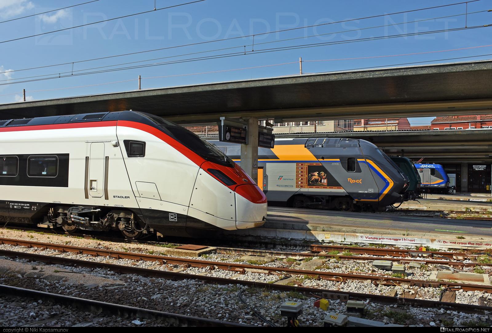 Stadler SMILE - 501 226-9 operated by Schweizerische Bundesbahnen SBB #CFF #CheminsDeFerFederauxSuisses #FFS #FerrovieFederaliSvizzere #SBB #SchweizerischeBundesbahnen #giruno #rabe501 #stadler #stadlerec250 #stadlerrail #stadlerrailag #stadlersmile