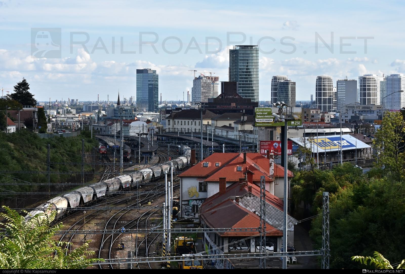 Bratislava hlavná stanica location overview #city #railwaystation #station #zsr