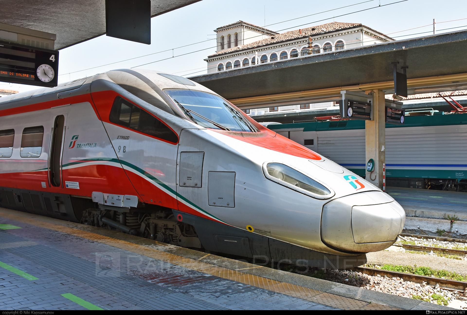 Alstom Class ETR.600 - 600 709-0 operated by Trenitalia S.p.A. #alstom #alstometr600 #etr600 #ferroviedellostato #frecciargento #fs #fsitaliane #lefrecce #newpendolino #pendolino #trenitalia #trenitaliaspa