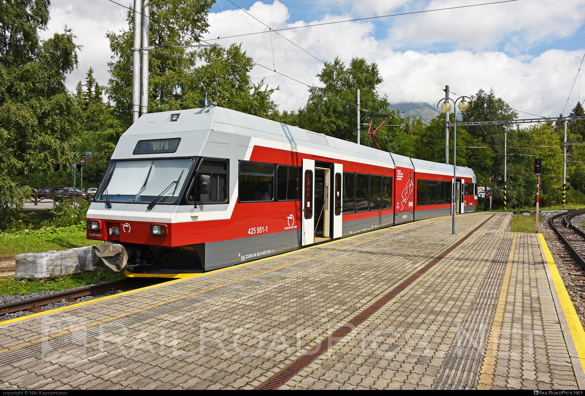 GTW Vysoké Tatry Class 425.95 - 425 951-1 operated by Železničná Spoločnost' Slovensko, a.s. #ZeleznicnaSpolocnostSlovensko #gtw26 #gtwvysoketatry #tetrapack #tez #zssk #zssk425 #zssk42595