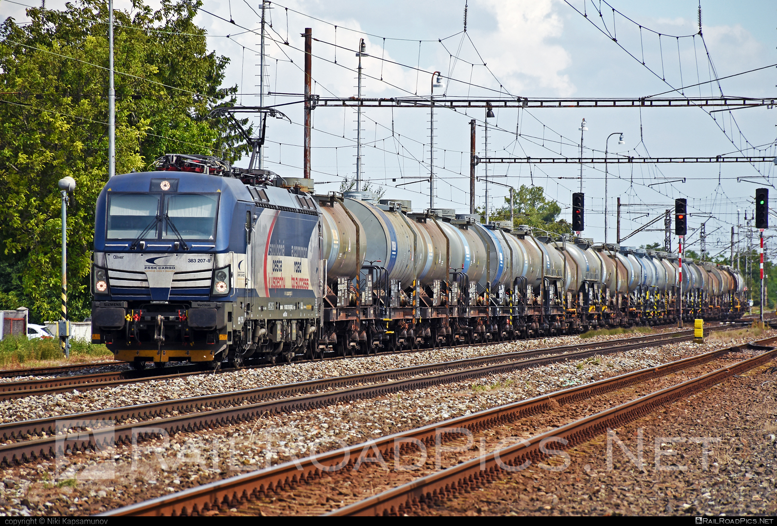 Siemens Vectron MS - 383 207-8 operated by Železničná Spoločnost' Cargo Slovakia a.s. #RollingStockLease #RollingStockLeaseSro #ZeleznicnaSpolocnostCargoSlovakia #duslo #kesselwagen #raill #siemens #siemensvectron #siemensvectronms #tankwagon #vectron #vectronms #zsskcargo
