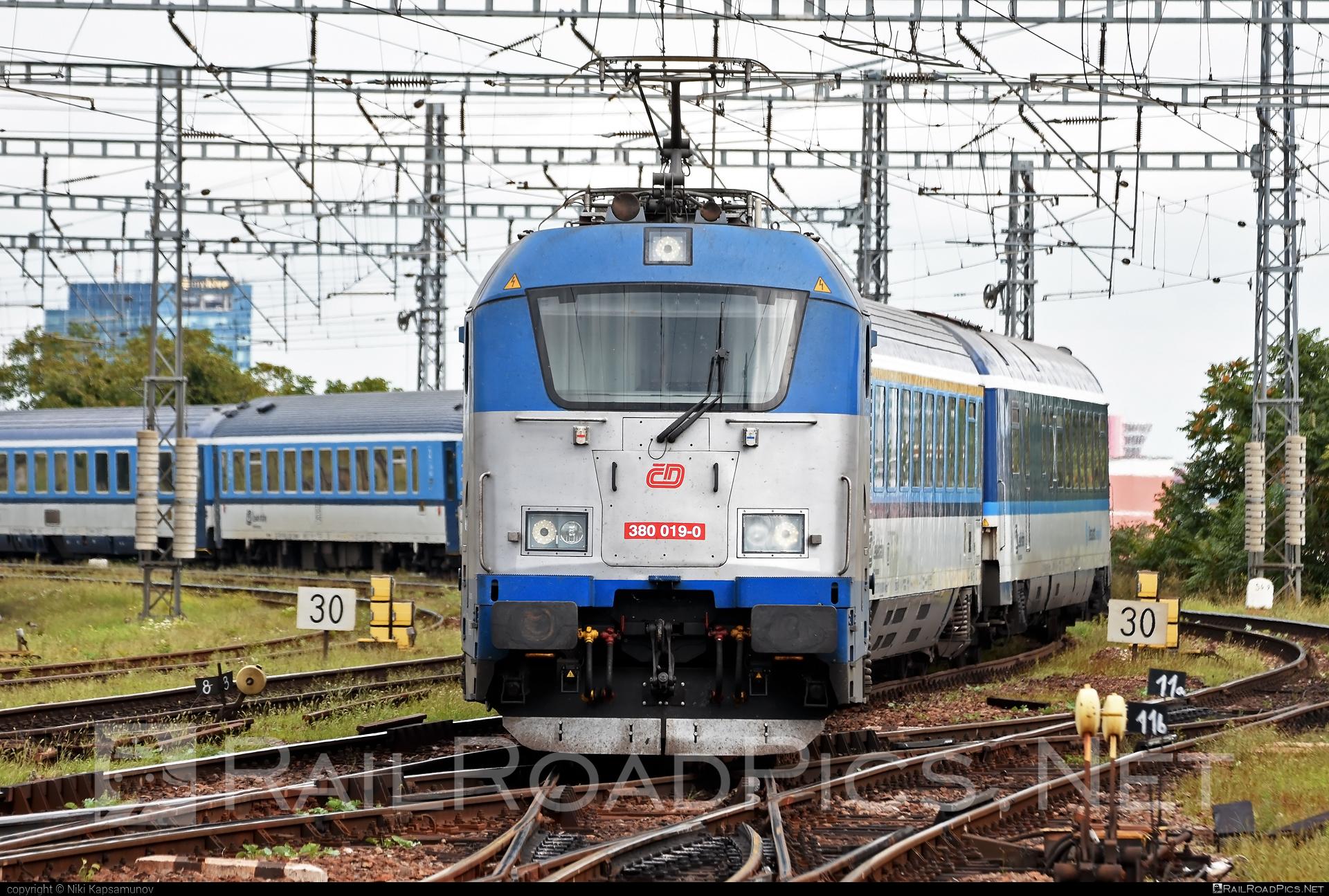 Škoda 109E1 Emil Zátopek - 380 019-0 operated by České dráhy, a.s. #cd #ceskedrahy #emilzatopeklocomotive #locomotive380 #skoda #skoda109e #skoda109elocomotive