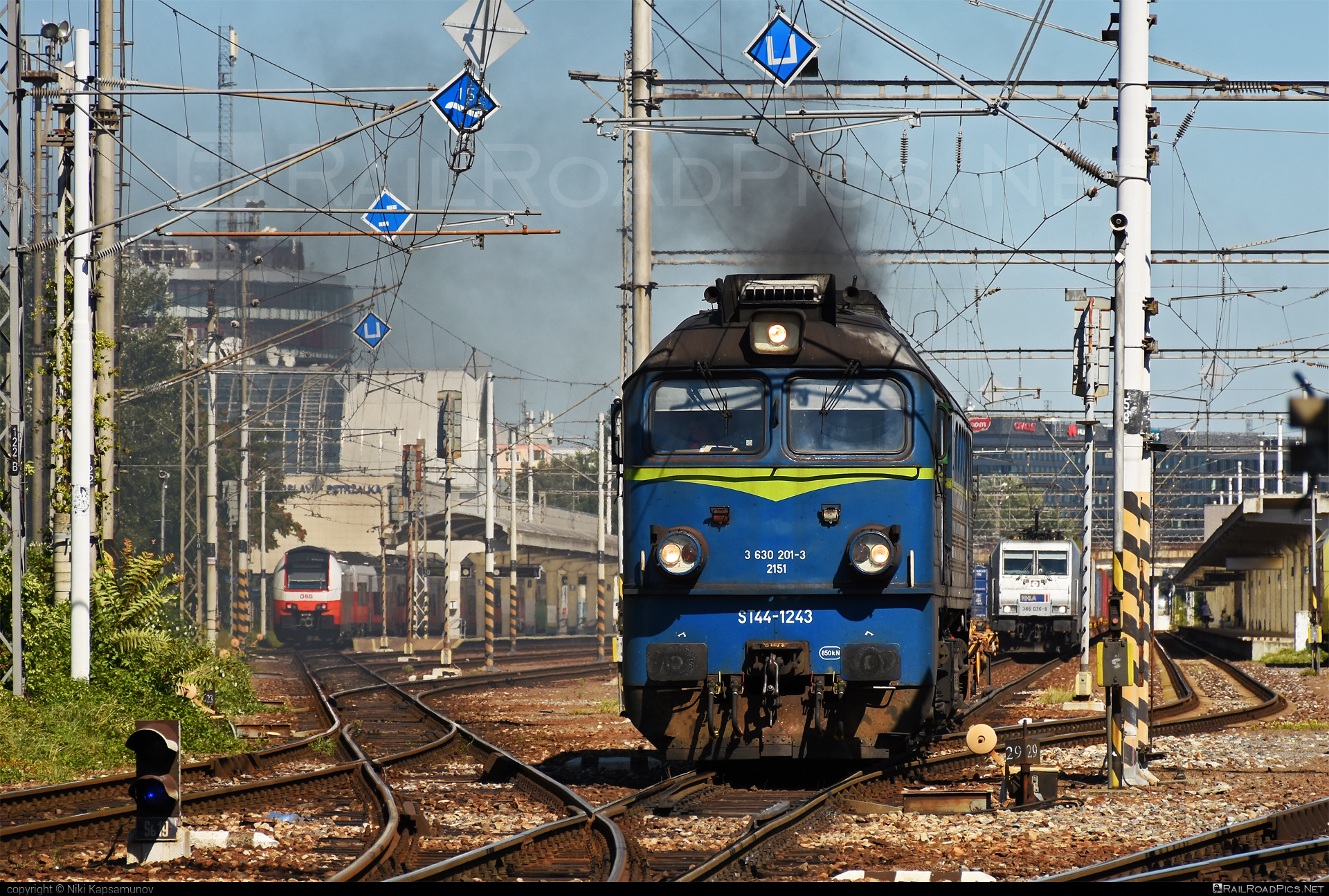 Lugansk M62 - 630 201-3 operated by PKP CARGO INTERNATIONAL a.s. #locomotivem62 #ltz #ltzm62 #lugansk #luganskteplovoz #luhansklocomotiveworks #luhanskm62 #luhanskteplovoz #m62 #m62locomotive #pkp #pkpcargo #pkpcargointernational #pkpcargointernationalas #pkpcargospolkaakcyjna #sergei