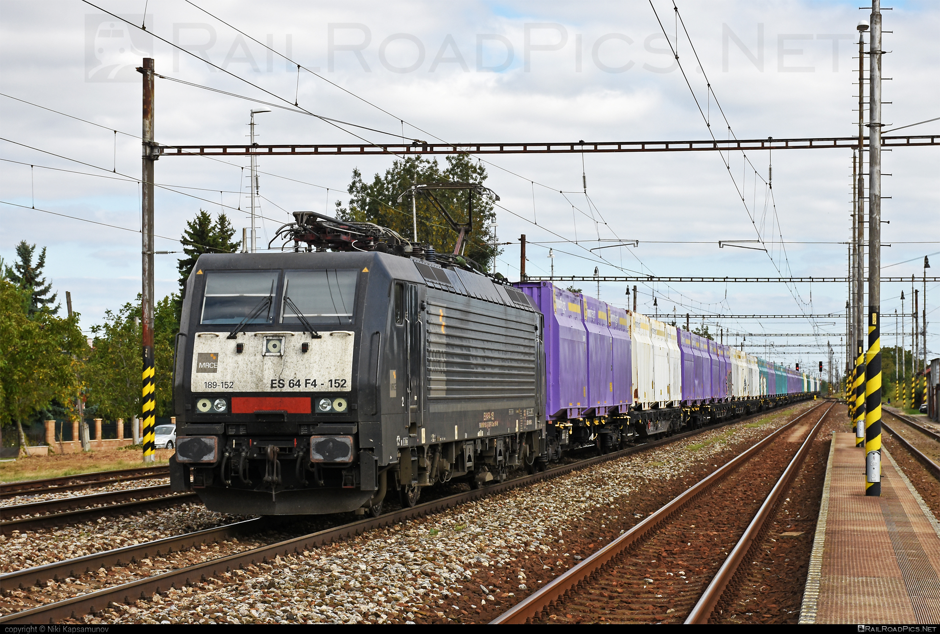 Siemens ES 64 F4 - 189 152-2 operated by Retrack Slovakia s. r. o. #dispolok #es64 #es64f4 #eurosprinter #flatwagon #mitsuirailcapitaleurope #mitsuirailcapitaleuropegmbh #mrce #retrack #retrackslovakia #siemens #siemenses64 #siemenses64f4