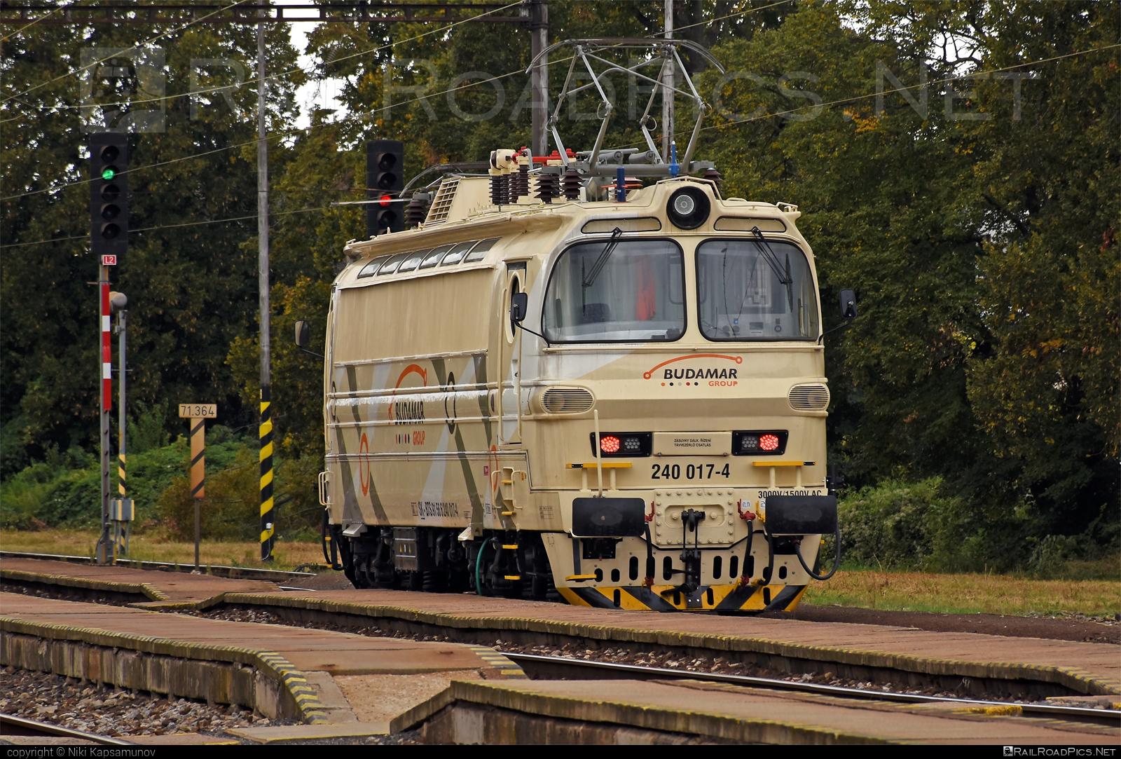 Škoda 47E - 240 017-4 operated by LOKORAIL, a.s. #BulkTransshipmentSlovakia #bts #budamar #laminatka #locomotive240 #lokorail #lrl #skoda #skoda47e