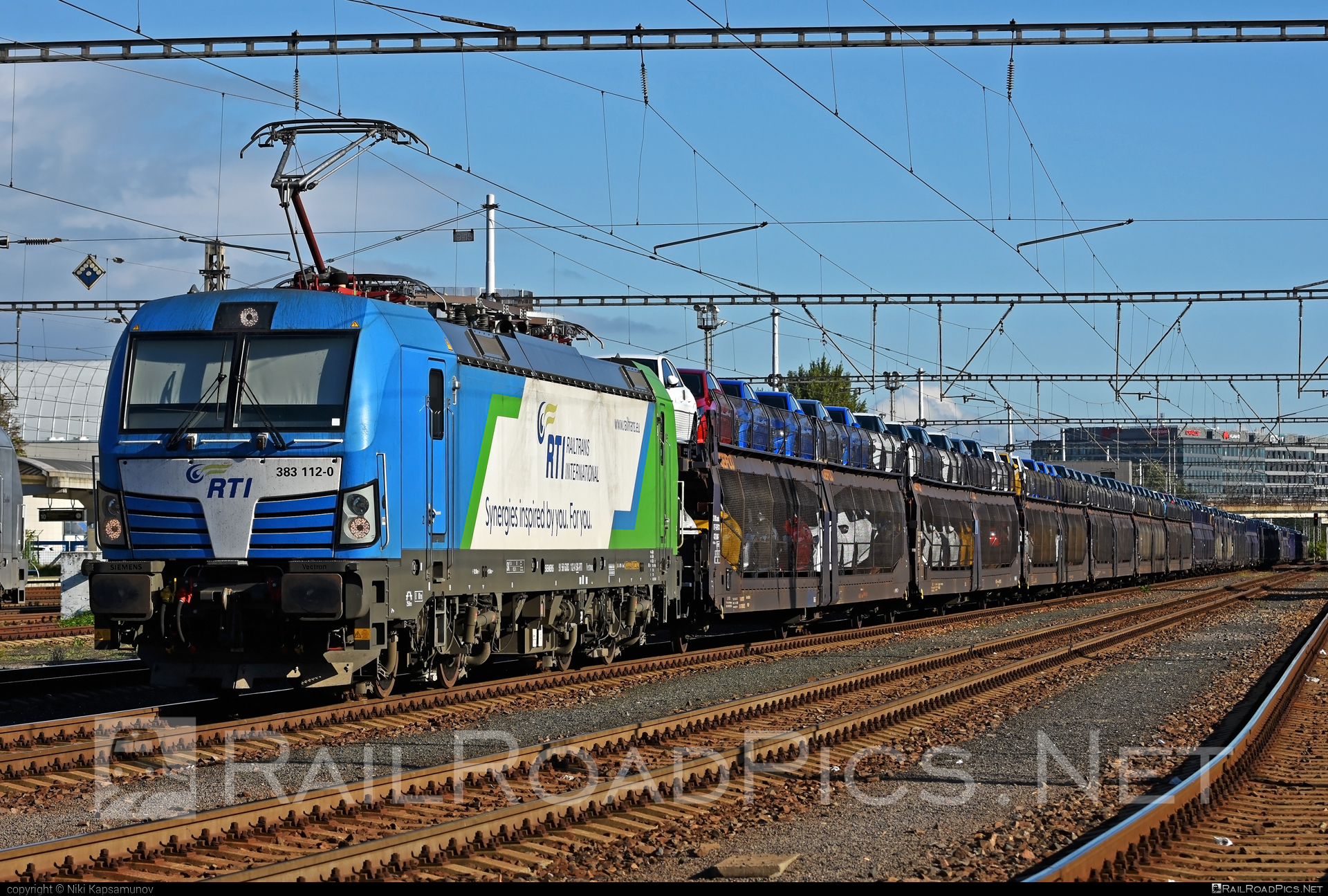 Siemens Vectron MS - 383 112-0 operated by Railtrans International, s.r.o #carcarrierwagon #gefco #rti #siemens #siemensvectron #siemensvectronms #vectron #vectronms