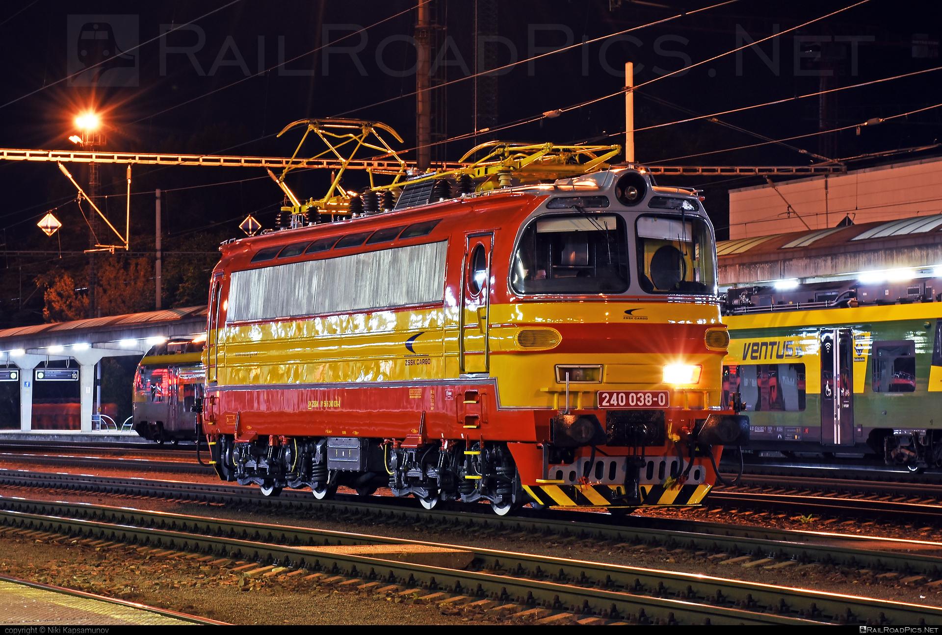 Škoda 47E - 240 038-0 operated by Železničná Spoločnost' Cargo Slovakia a.s. #ZeleznicnaSpolocnostCargoSlovakia #ZeleznicnaSpolocnostSlovensko #laminatka #locomotive240 #skoda #skoda47e #zssk #zsskcargo