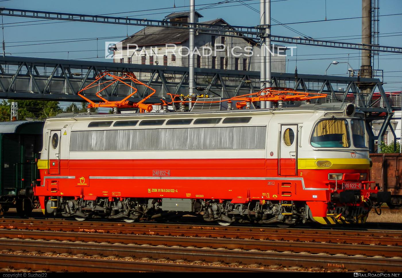 Škoda 47E - 240 022-4 operated by Železničná Spoločnost' Slovensko, a.s. #ZeleznicnaSpolocnostSlovensko #laminatka #locomotive240 #skoda #skoda47e #zssk