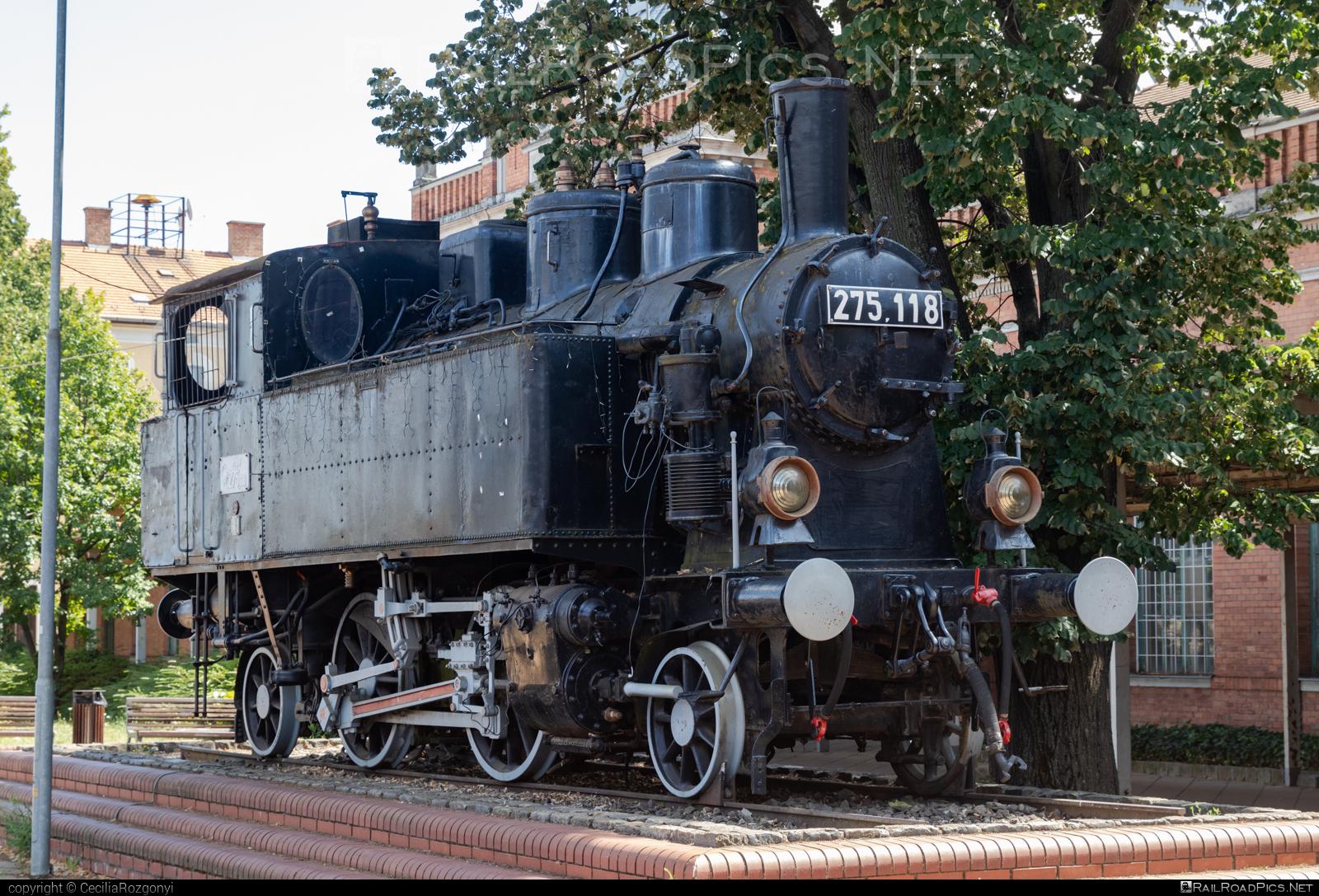 MÁVAG Class 22 - 275.118 operated by Magyar Államvasutak ZRt. #magyarallamvasutak #magyarallamvasutakzrt #mav #mavag #mavclass22 #mavclass275